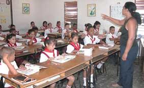 20120901221031-garantiza-ciego-de-avila-cobertura-docente-para-nuevo-curso-1-.jpg