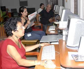20140822062715-invasor-periodistas.jpg