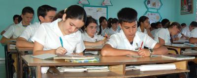 Las escuelas en Cuba y la crisis de las escuelas en California