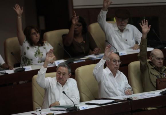 Reconoce Raúl Castro que el principal enemigo de la Revolución no es el imperialismo yanqui