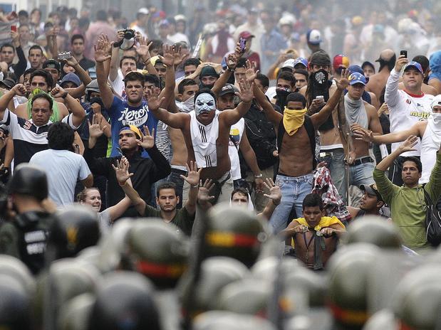 A la reacción Venezolana, SE RESPONDE CON LA REACCION REVOLUCIONARIA o PERECEN